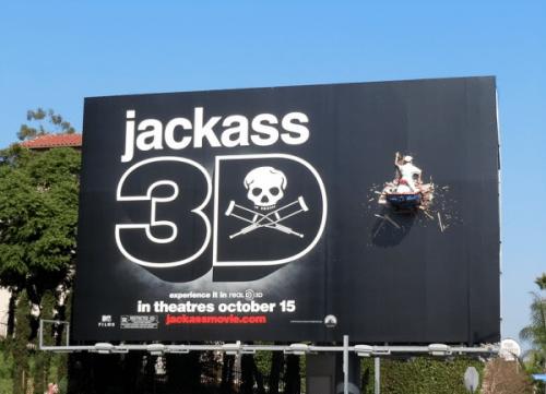 panneau-affichage-publicité-jackass-3D-02-500x361
