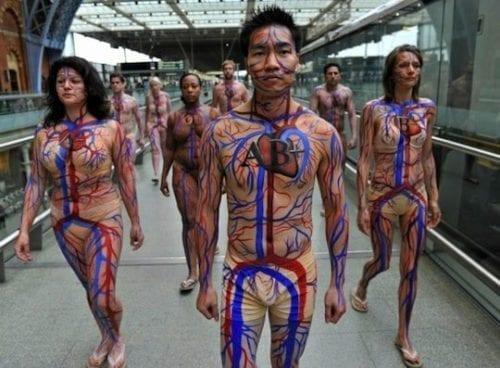 don-du-sang-bodypainting-1