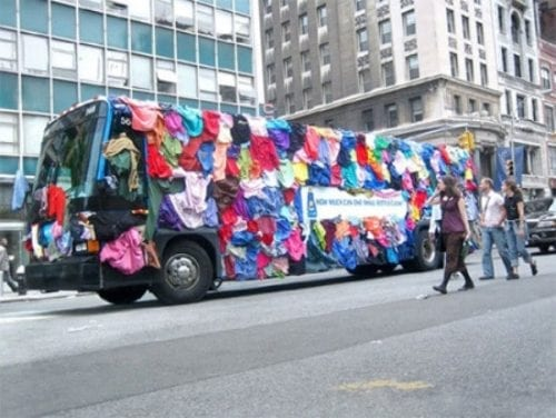 best and creative bus ads (32).jpg.opt551x414o0,0s551x414