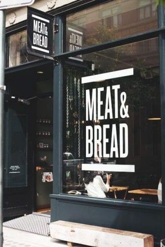 Comment attirer plus de clients dans un magasin, une boutique, un restaurant... via l'affichage et la PLV extérieure ? 61