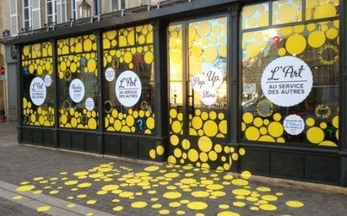 Comment attirer plus de clients dans un magasin, une boutique, un restaurant... via l'affichage et la PLV extérieure ? 44