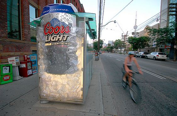 Plus de 100 pubs de Street Marketing créatives à prendre en exemple ! 68