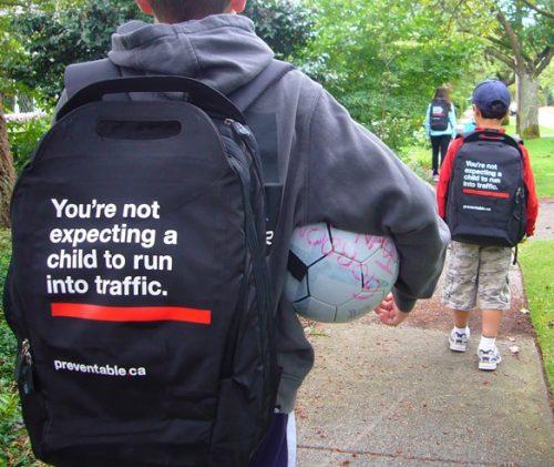 Plus de 100 pubs de Street Marketing créatives à prendre en exemple ! 369
