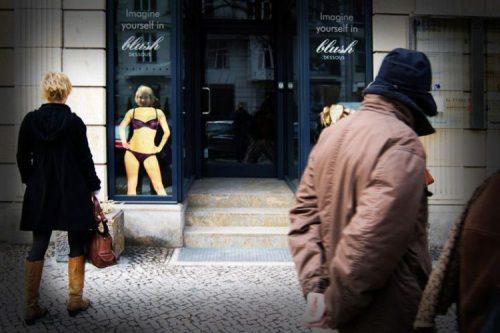 Plus de 100 pubs de Street Marketing créatives à prendre en exemple ! 366
