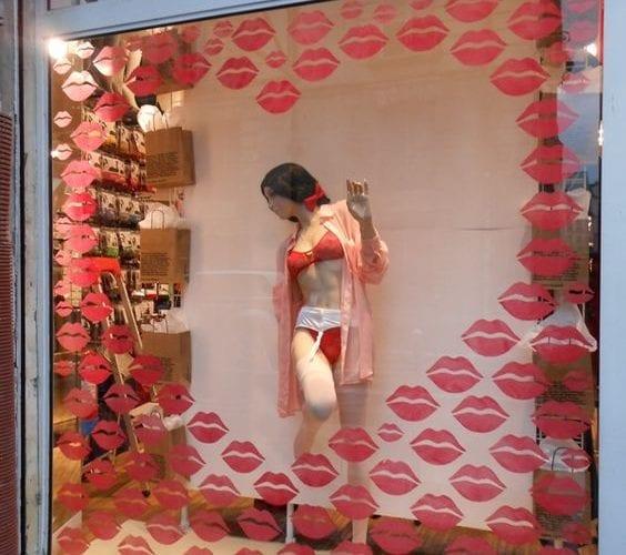 Comment attirer plus de clients dans un magasin, une boutique, un restaurant... via l'affichage et la PLV extérieure ? 4