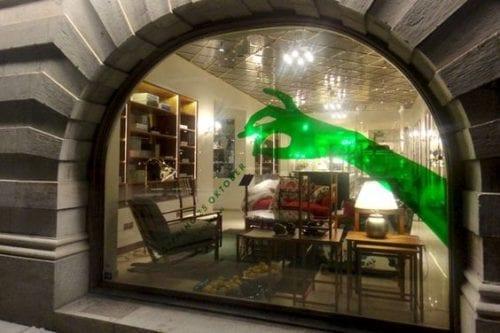 Comment attirer plus de clients dans un magasin, une boutique, un restaurant... via l'affichage et la PLV extérieure ? 56