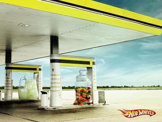 Pénurie de Carburant : Les publicités qui vont vous remonter le moral #penurieessence #penuriecarburant 17